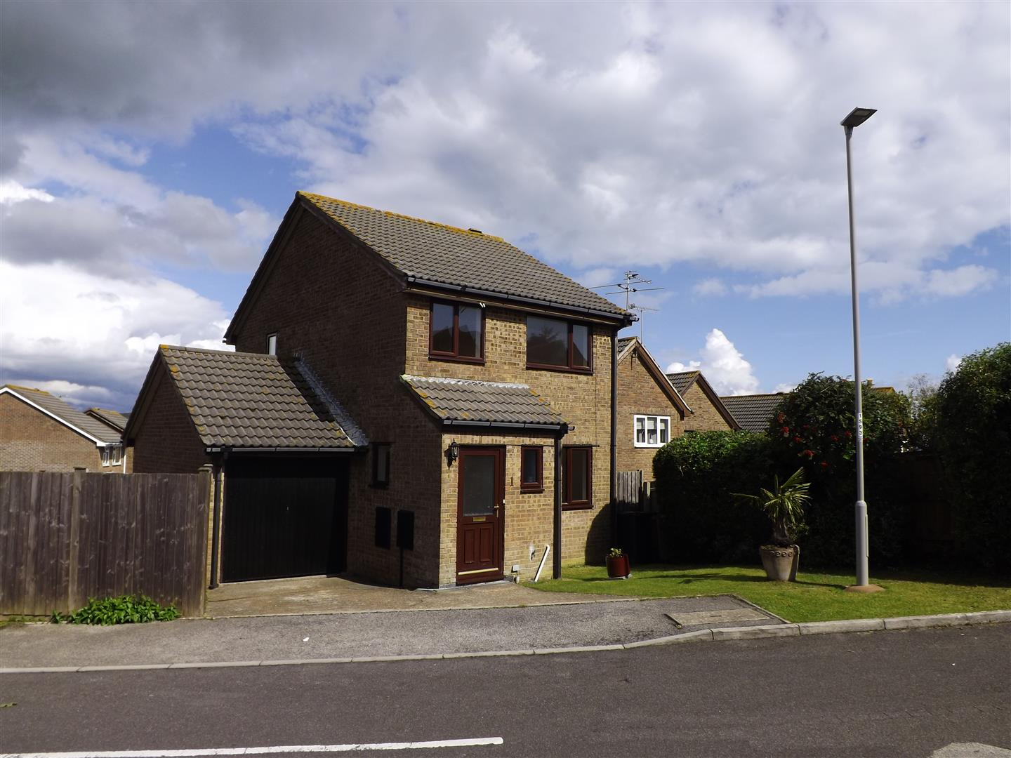 3 Bedrooms Detached House for sale in Shaston Close, Swanage